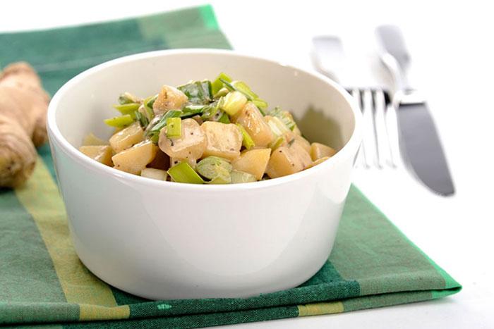 Porree-Kartoffeln mit frischer Ingwersauce