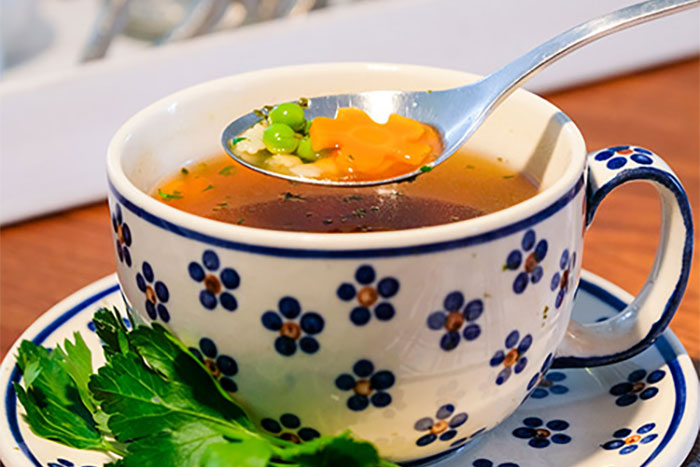 Sternchennudel-Suppe