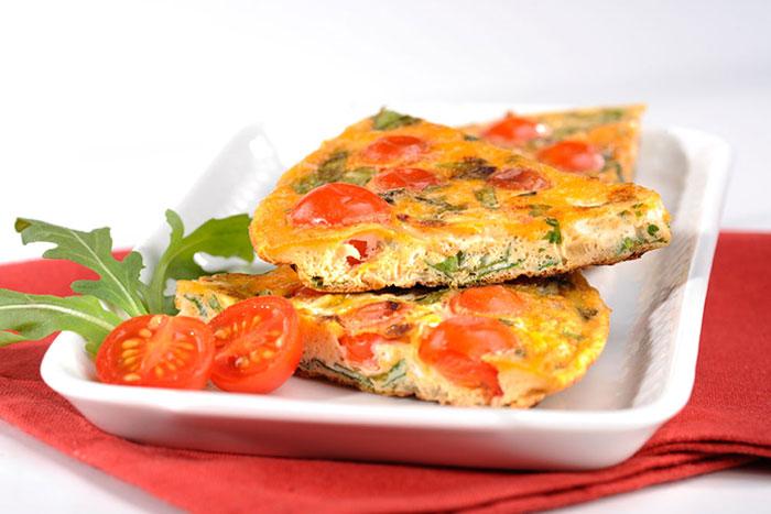 Tomatenomelette mit Steinpilzaroma