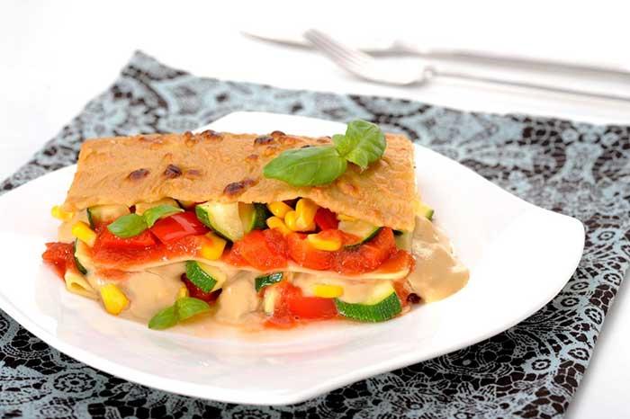 Vegane Lasagne mit Hefeschmelz