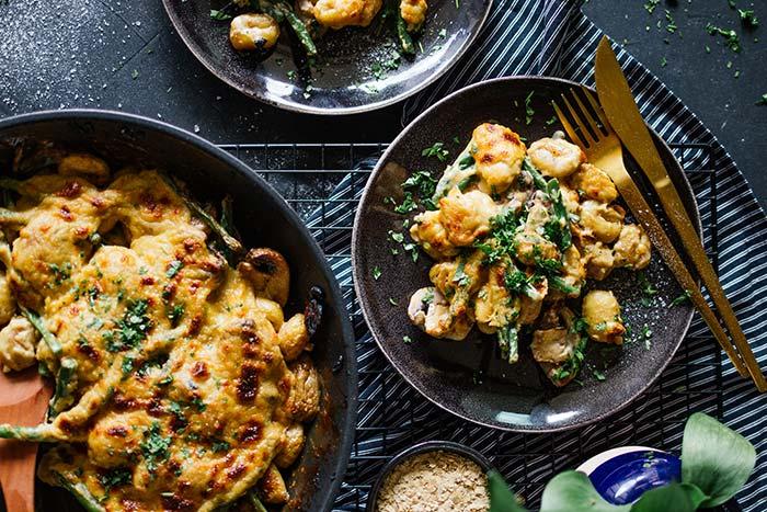 Cremige Gnocchi mit Hefeschmelz, Bohnen & Pilzen